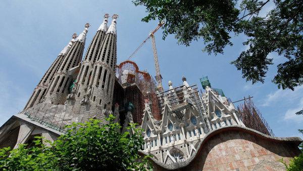 Церковь Святого Семейства (Искупительный храм Святого Семейства) в Барселоне